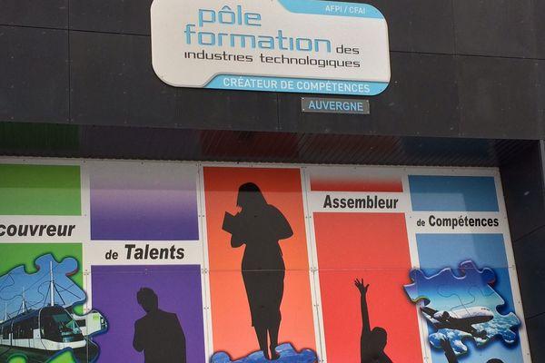 Les formations aux métiers de l'industrie accueillent de futurs candidats aux journées portes ouvertes dans le Puy-de-Dôme et dans l'Allier.