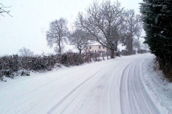 Une route enneigée dans le secteur de Baraqueville (Aveyron)