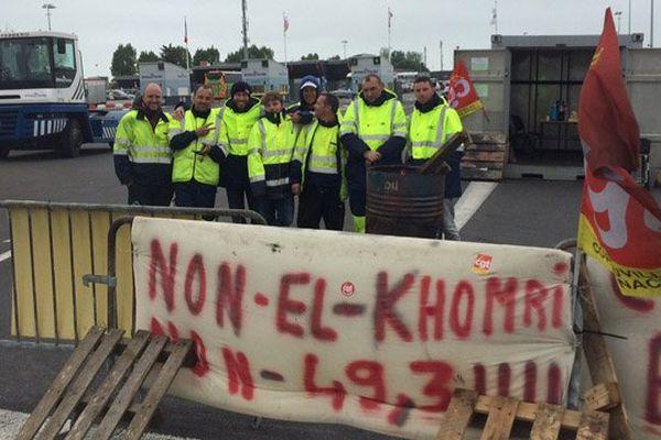 Les dockers de Ouistreham ont mis en place un barrage filtrant ce jeudi 2 juin