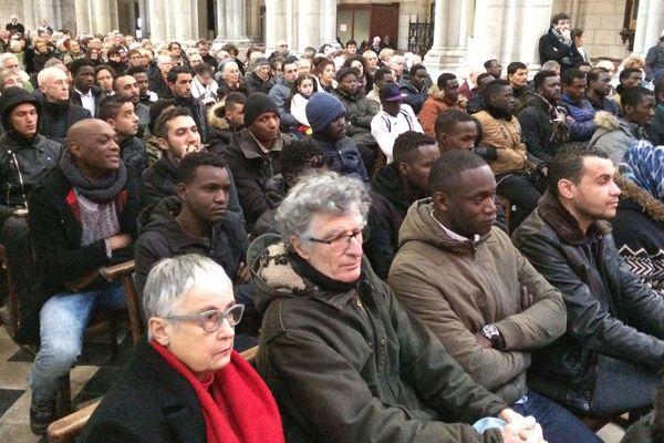 Dans l'église Saint-Nicolas de Nantes, des migrants venus en nombre écouter Ararat donné par le Canticum Novum