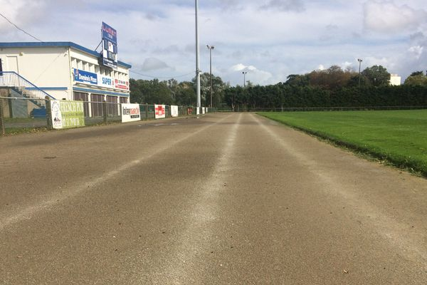 La piste d'athlétisme du stade René Massé à Saint-Sébastien-sur-Loire