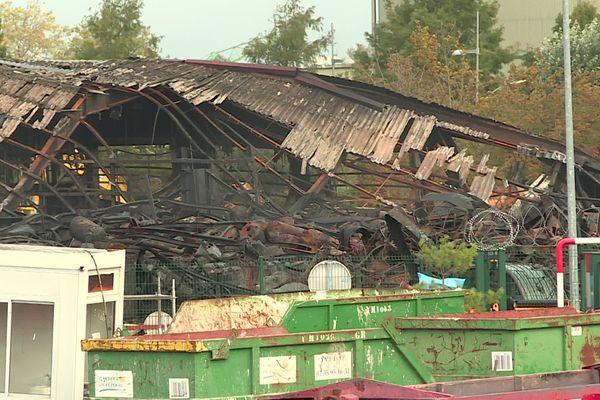 Les dégâts après l'explosion et l'incendie de l'usine SEVESO Lubrizol