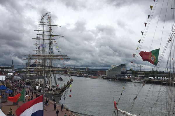 Ce 7 juin, le vent souffle sur les quais de Rouen
