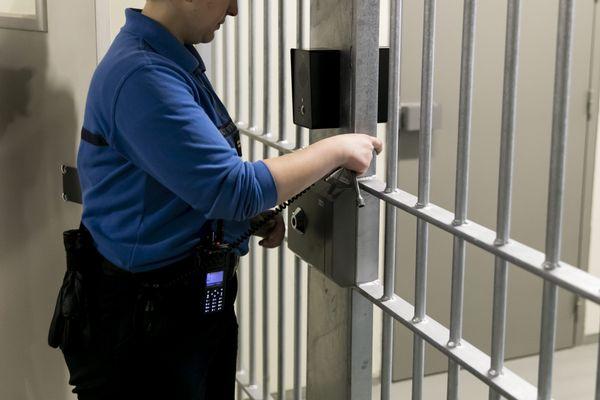 Illustration. L'agresseur de 49 ans a été condamné à deux ans de prison ferme, ce mardi 11 août, par le tribunal de VesouL.