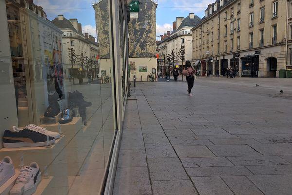 Rue de Noyon à Amiens, le 19 mars 2021, dernier jour avant le reconfinement