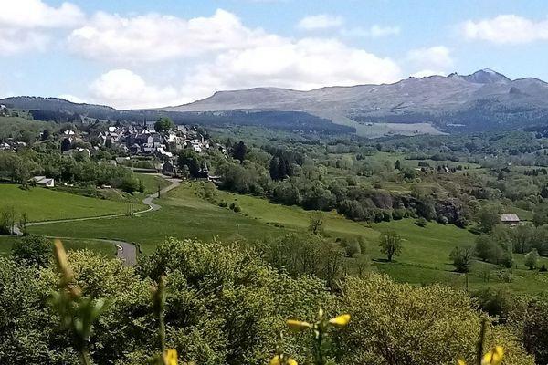 Le village de la Tour d'Auvergne se niche au coeur du massif du Sancy.