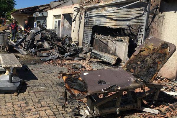 Pignan - Les flammes ont détruit la quasi-totalité de la zone commerciale - 23.06.20