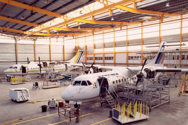 L'atelier de maintenance de Brit Air à Morlaix en 1993