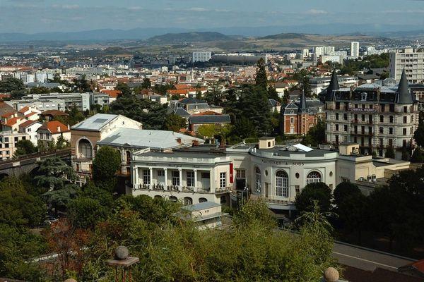 La mairie de Royat (Puy-de-Dôme) est fermée en raison de plusieurs cas de COVID 19 à partir de ce mercredi 21 octobre.