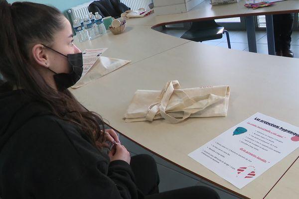 Lundi 8 mars, le collectif et le Crous ont proposé une sensibilisation à la précarité menstruelle.