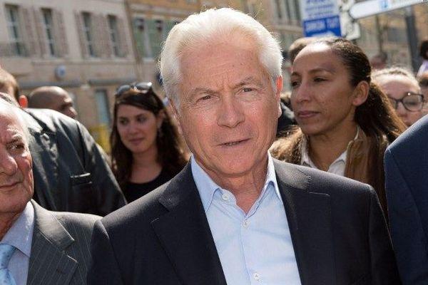 Eugène Caselli pendant sa campagne pour la primaire PS à Marseille