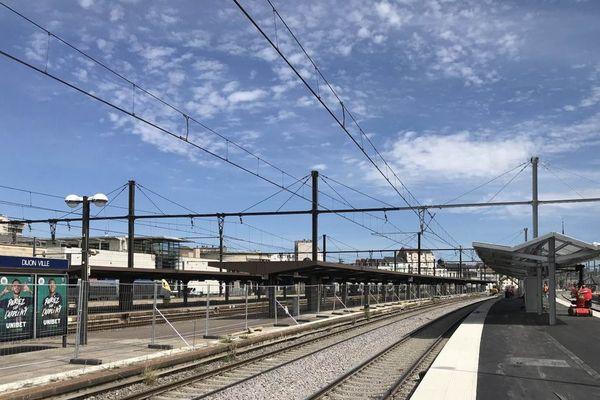De nouveaux abris voyageurs ont été installés à la gare de Dijon-Ville