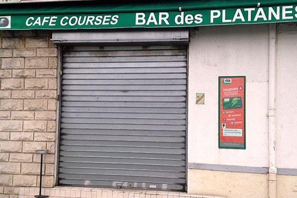 Alès (Gard) - l'un des 5 bars perquisitionnés lors d'une opération des forces de l'ordre - 9 février 2016.