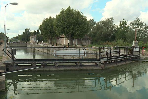 L'écluse de Nourriguier à Beaucaire est vieille de plus de 100 ans - 20 août 2020