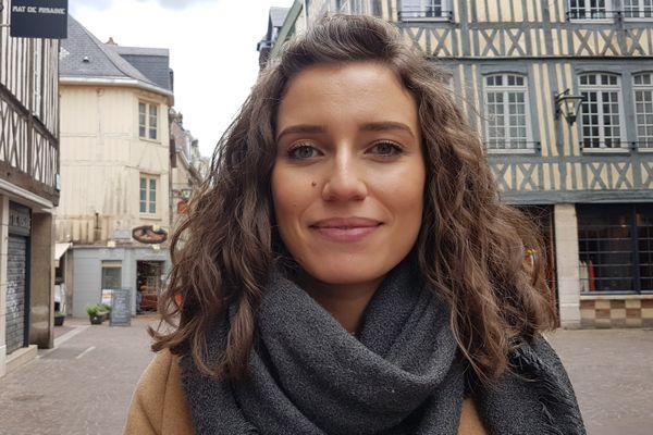 Myriam opte pour les Alpes-Maritimes avec son amoureux et leur fille âgée de deux mois