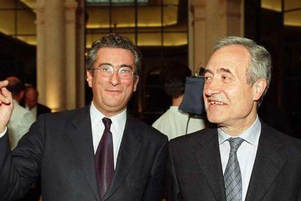 Le maire de Paris Jean Tiberi avec Jean-François Probst (gauche), lors d'une réception, le 18 juillet 2000 à l'hôtel de ville.