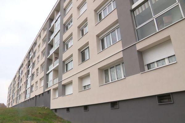 La résidence des Beaux Logis a été isolée par l'extérieur, avec une façade épaissie de 15 centimètres.