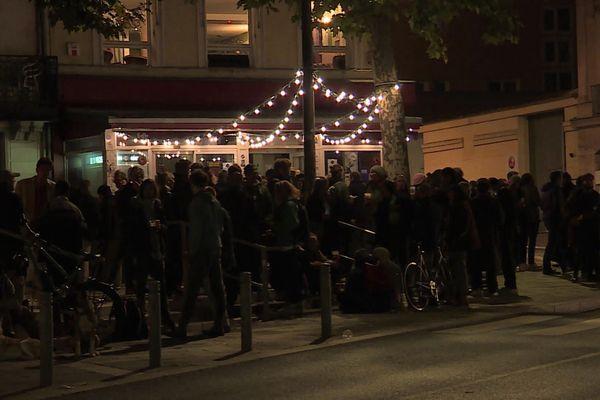 Dernière soirée avant le couvre-feu dans les rues de Rouen