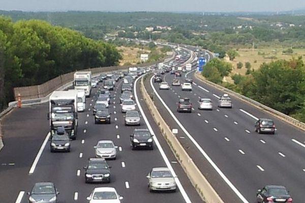 Le trafic dense près du péage de Gallargues, sur l'A9, entre Montpellier et Nîmes