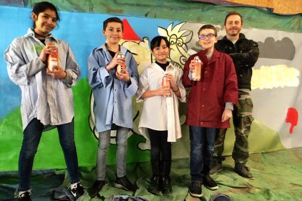 Les élèves de l'école de la Corchade de Metz réalisent une fresque sur l'écologie