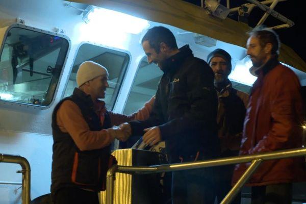 """Armel Le Cleac'h remercie l'équipage portugais du """"Sonho de Infancia"""""""