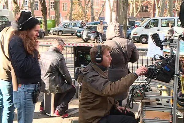 Les équipes de tournage ont investi les rues de Toulouse pour un film qui revient sur le deuxième procès de l'affaire Viguier.