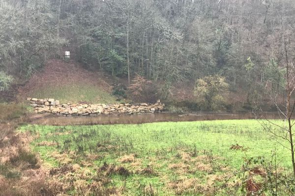 Zone de l'ancien barrage de Pont Sal