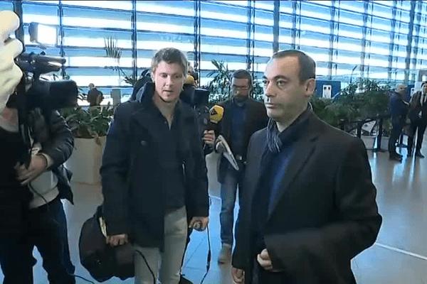 Mohamed Tadbirt, le père de Sofiane, quitte la cour d'assises de l'Isère à Grenoble le 12 décembre, après l'énoncé du verdict dans l'affaire de la rixe d'Echirolles.