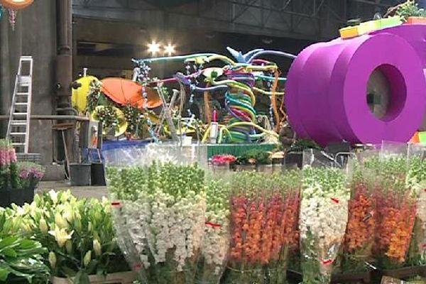 Pendant les 15 jours du Carnaval, ce seront pas moins de 250.000 fleurs au total qui seront distribuées aux spectateurs.