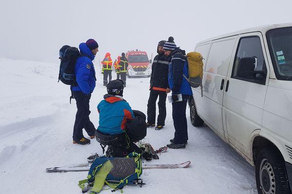 Depuis samedi 26 janvier au soir, une cinquantaine de gendarmes et de sapeurs-pompiers, et quelques riders de snow-kite, se sont mobilisés pour retrouver l'homme de 49 ans. Il avait disparu après être parti faire du snow-kite, en dehors du championnat qui était organisé tout le week-end.