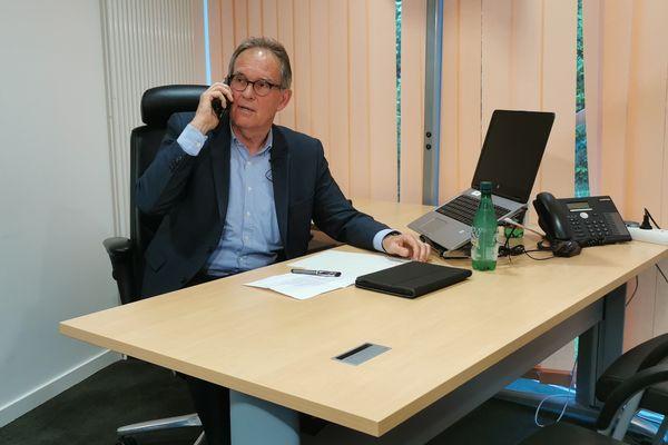 Alain Cadec attend les résultats
