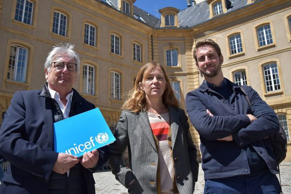 Trois membres d'Unicef France ont rencontré Didier Martin, préfet de la Moselle, ce lundi 13 mai pour le sensibiliser à l'expérience traumatisante des enfants qui vivent dans des centres de rétentions administratifs.