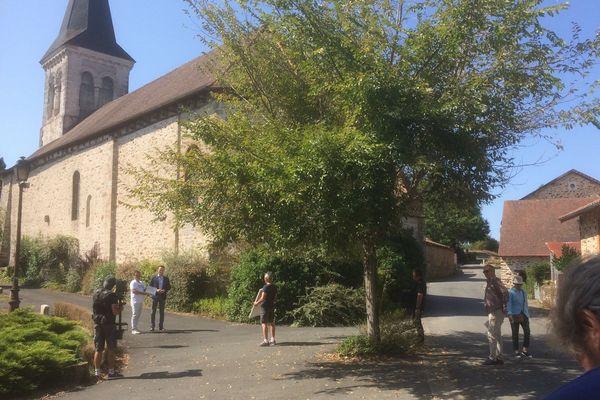 Lors d'un tournage d'une émission de France 3 sur les difficultés des campagnes.