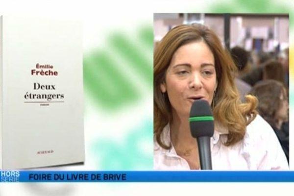 """Emilie Brèche prix de la ville de Brive pour son roman """"deux étrangers"""" chez Actes Sud"""
