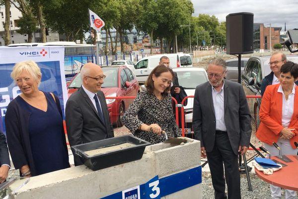 Delphine Ernotte, PDG de France Télévisions, pose à Rouen  la 1ère  pierre de la future station régionale de France 3 Normandie