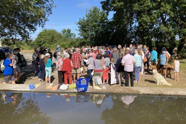 Environ 80 personnes ont manifesté contre la destruction annoncée du lavoir de Riantec