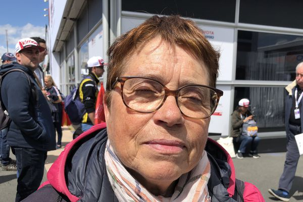 Marie-José vient depuis plus de 50 an aux 24h et elle ne s'en lasse pas.
