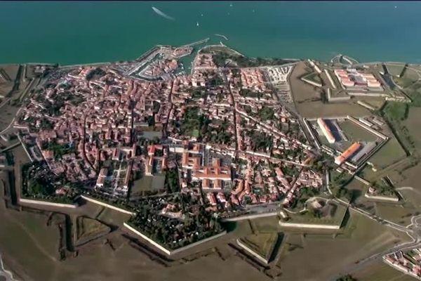 Les fortifications qui enceignent Saint-Martin-de-Ré ont été construites en quatre ans, à partir de 1681.