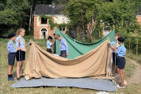 Un camp scout a eu lieu à Juvigny (Marne), les 24 et 25 août. Il était assorti d'un strict protocole sanitaire.