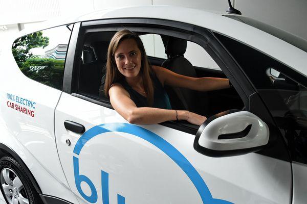 Marie Bolloré, au volant d'une Bluecar, le 27 septembre 2017.