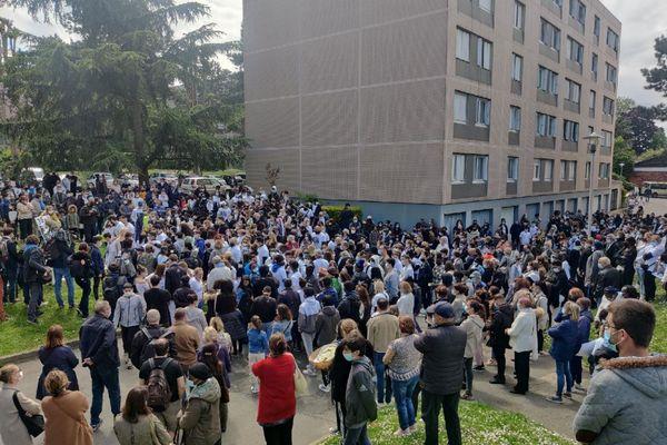 La marche a rassemblé plusieurs centaines de personnes.