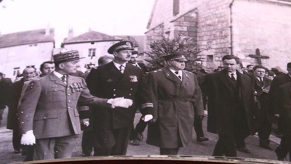 1970, obsèques du Général de Gaulle avec son fils Philippe.