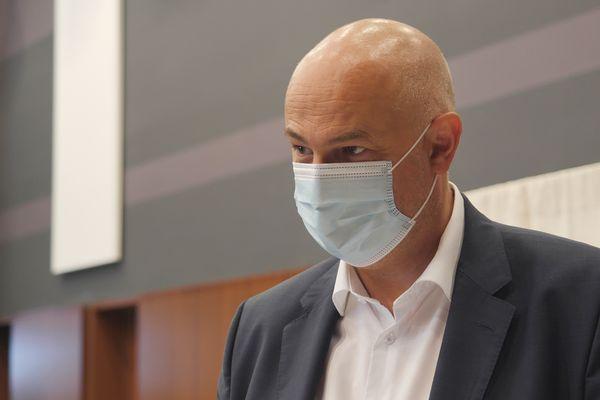 Laurent Pietraszewski, candidat LREM, a voté à la Chapelle d'Armentières ce dimanche 20 juin.