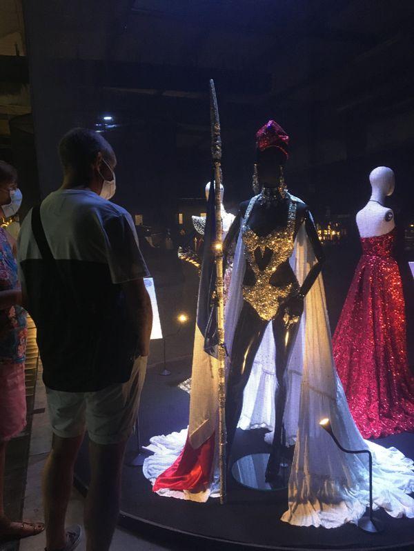Exposition  des créations de Smaïn Boutamtam, l'un des stylistes normands présent au FENO 2021 à Rouen
