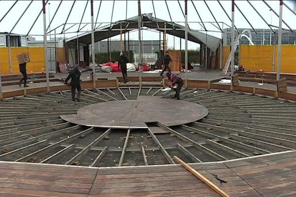 Jeudi 31 janvier 2019, le Magic Mirror du Havre en plein démontage.