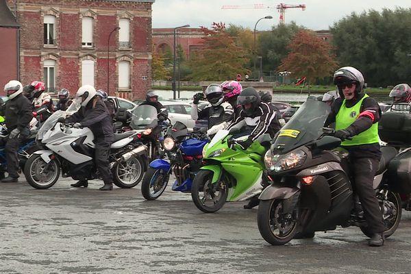 Une quarantaine de motards se sont donnés rendez-vous place de la Liberté à Saint-Quentin.