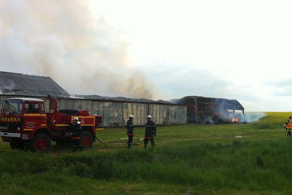 Incendie de hangars agricoles à Valençay dans l'Indre.