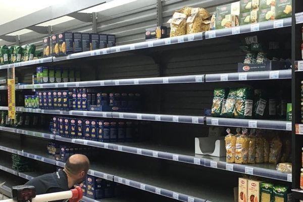 Les supermarchés de l'Hérault limités à 100 personnes.