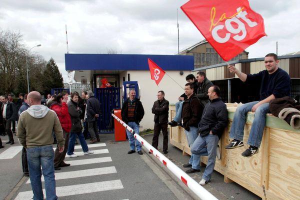 Les salariés de Goss International en grève à Nantes en 2009 lors de la reprise de leur entreprise par la société chinoise Shanghai Electric