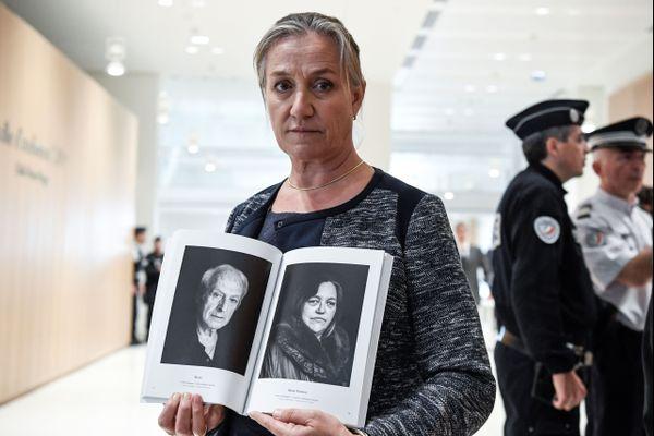 """""""Comme les victimes, je suis à ce jour inconsolable"""" a conclu la pneumologue brestoise Irène Frachon après quatre heure d'exposé devant une salle d'audience comble."""